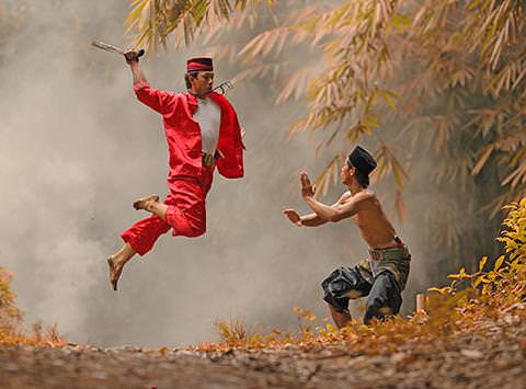Entong Tolo Jawaranya Rakyat Bekasi