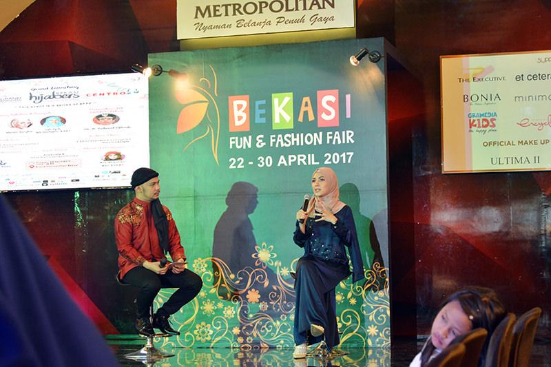 Inspiring Talkshow Ratna Galih dan Shireen Sungkar bersama Hijabers Community Bekasi